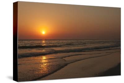 Sunset across Quiet Surf, Crescent Beach, Sarasota, Florida, USA