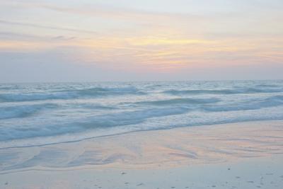 USA, Florida, Sarasota. Siesta Key, Sunset Reflections