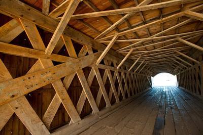 USA, Iowa, Winterset. Roseman Covered Bridge over Middle River