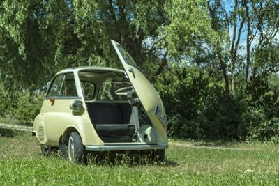 Elsenfeld, Bavaria, Germany, Bmw Isetta, Model 1960, Cubic Capacity 250 Ccm, 12 Hp