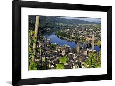 Bernkastel-Kues, Moselle Valley, Rhineland-Palatinate, Germany, Europe-Hans-Peter Merten-Framed Photographic Print