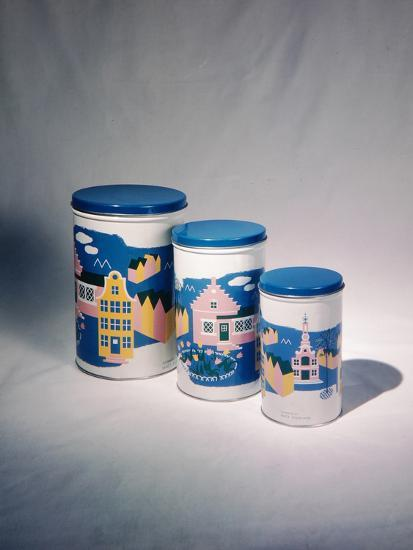 Best Selling Christmas Gifts - Tin Cans-Nina Leen-Photographic Print