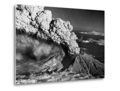Mount St. Helens Eruption and Mount Hood