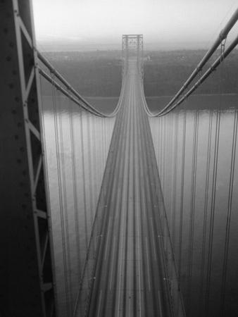 The George Washington Bridge by Bettmann