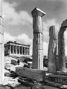 View Of Propylaes And Parthenon by Bettmann