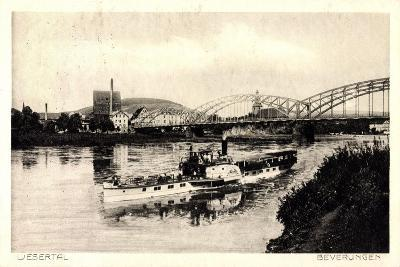 Beverungen, Brücke, Dampfschiff, Blick Zur Stadt--Giclee Print