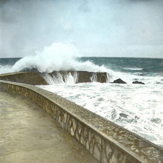 Biarritz (Atlantic-Pyrennes, France), Effects of the Sea-Leon, Levy et Fils-Photographic Print