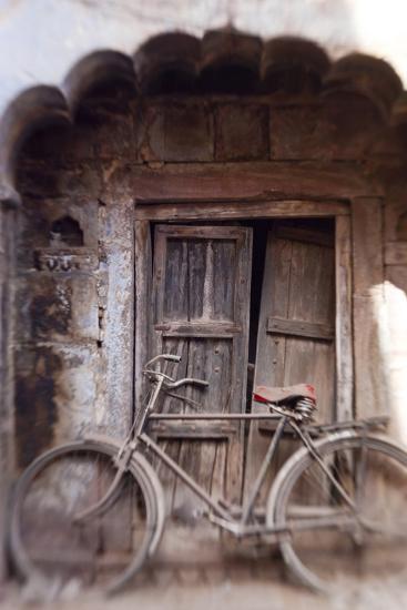 Bicycle in Doorway, Jodhpur, Rajasthan, India-Peter Adams-Photographic Print