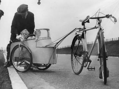Bicycle Trailer--Photographic Print