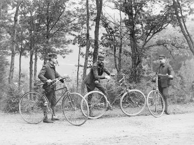 Bicyclists in Central Park--Photographic Print