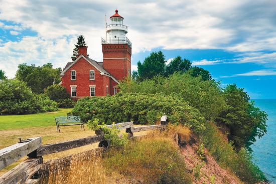 big-bay-lighthouse-big-bay-mi