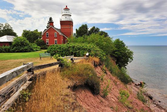 big-bay-lighthouse-michigan