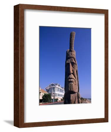 Boardwalk and Totem Pole on the Beach, Ocean City, Maryland, USA