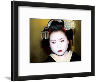 Close-up of Geisha Girl in Gold, Kyoto, Japan