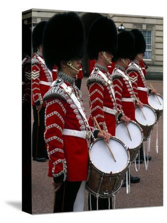 Famous, Changing of Guards, London