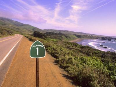 Pacific Coast Highway, California Route 1 near Big Sur, California, USA