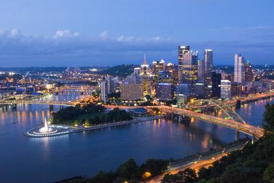Pittsburgh, Pennsylvania, Skyline from Mt Washington of Downtown City