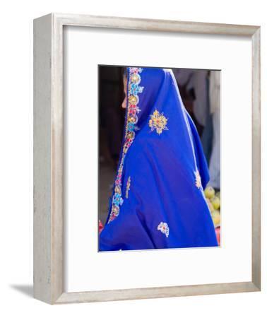 Sari Woman, New Delhi, India
