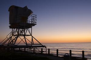 The Cove with lifeguard stand, La Jolla, San Diego, California, USA by Bill Bachmann