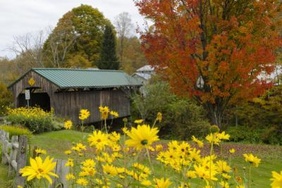 USA, Vermont, Waterville. Church Street Covered Bridge in Fall