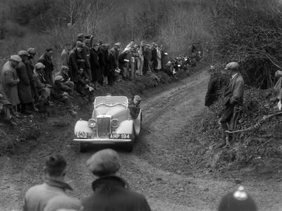 Hillman Aero Minx of V Wherry competing in the MCC Lands End Trial, 1935
