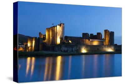 Caerphilly Castle at Dusk, Wales, Gwent, United Kingdom, Europe