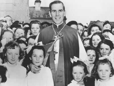 https://imgc.artprintimages.com/img/print/bishop-fulton-sheen-with-irish-children-in-choghan-county-roscommon-ireland_u-l-q10wqn80.jpg?p=0