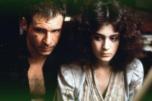 BLADE RUNNER, 1981 directed by RIDLEY SCOTT Harrison Ford / Sean Young (photo)