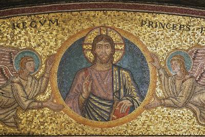 Blessing Christ, Detail of Mosaic from Niche of Tomb of Pope Pius XI, Vatican Grottoes--Giclee Print