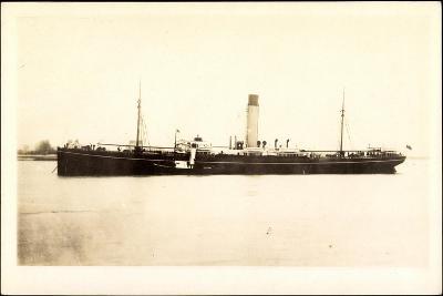 Blick Auf Ein Dampfschiff Nahe Der Küste, Gnamaré--Giclee Print