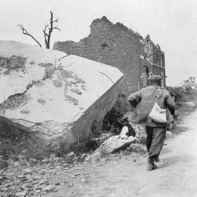 https://imgc.artprintimages.com/img/print/blockhouse-destroyed-by-a-mine-lomme-near-armentieres-france-world-war-i-c1914-c1918_u-l-ptxnt70.jpg?p=0