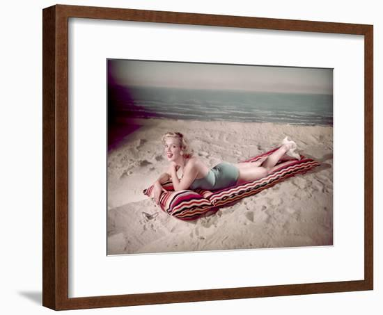 Blonde on Lilo, Woof-Charles Woof-Framed Photographic Print