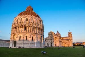 Pisa Baptistery by bloodua