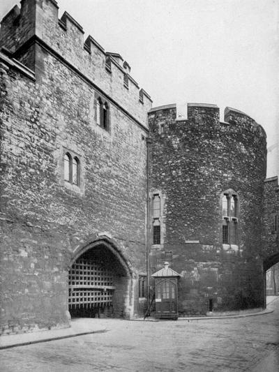 Bloody Tower, Tower of London, 20th Century--Giclee Print