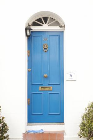 https://imgc.artprintimages.com/img/print/blue-door_u-l-q10pu390.jpg?p=0