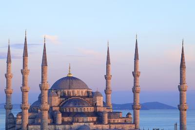 Blue Mosque (Sultan Ahmet Camii), Istanbul, Turkey-Neil Farrin-Photographic Print