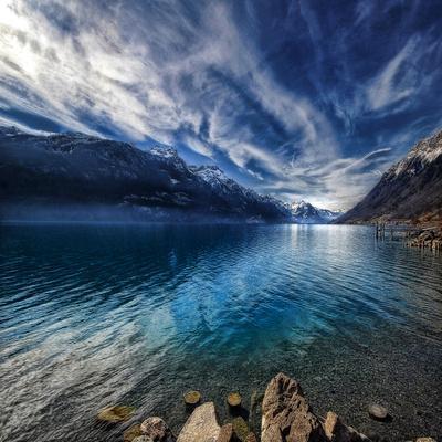 https://imgc.artprintimages.com/img/print/blue-mountains_u-l-phf9b90.jpg?p=0