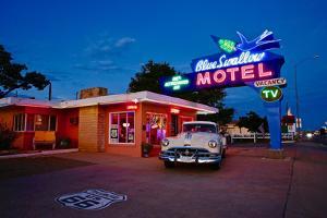 Blueswallow Motel, 2017