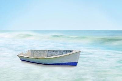 https://imgc.artprintimages.com/img/print/boat-on-a-beach-i_u-l-q1gw2x60.jpg?artPerspective=n