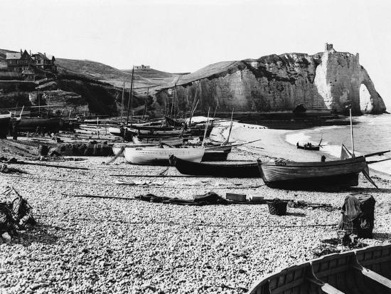 Boats Standing on Beach--Photographic Print