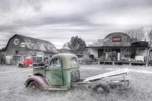 Green and Red BW by Bob Rouse