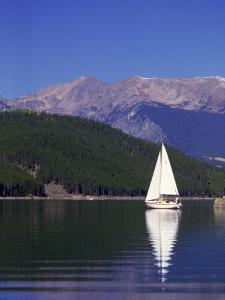 Sailing by Bob Winsett