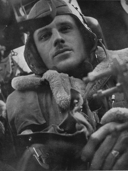 Bomber Command pilot, 1941-Unknown-Photographic Print