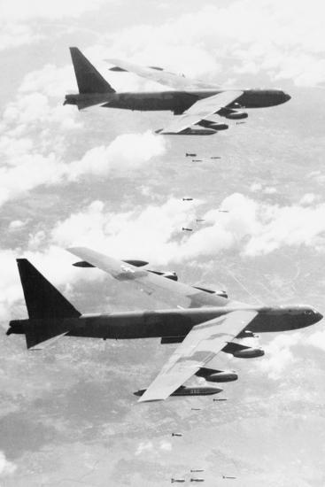 Bomber Planes Releasing Bombs--Photographic Print