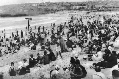 https://imgc.artprintimages.com/img/print/bondi-beach-sydney-new-south-wales-australia-c1924_u-l-ptx5090.jpg?p=0