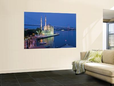 Bosphoros River Bridge and Ortakoy Camii Mosque, Ortakoy District, Istanbul, Turkey-Gavin Hellier-Giant Art Print