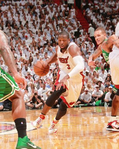 Boston Celtics v Miami Heat - Game Five, Miami, FL - MAY 11: Dwyane Wade and Delonte West-Victor Baldizon-Photo