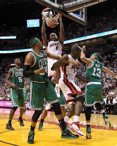 Boston Celtics v Miami Heat - Game Two, Miami, FL - MAY 03: LeBron James, Paul Pierce and Delonte W-Mike Ehrmann-Photo