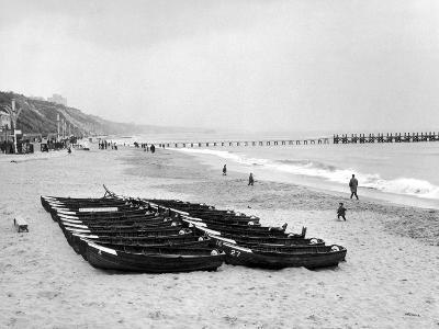 Bournemouth Beach, 1964-Daily Mirror-Photographic Print