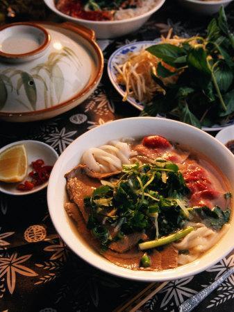 https://imgc.artprintimages.com/img/print/bowl-of-beef-with-rice-noodles-vietnam_u-l-p10y0b0.jpg?p=0